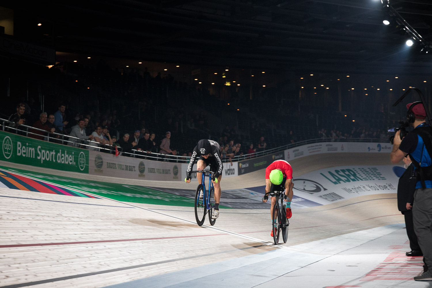 8bar 6days last one standing race velodrom fixed gear lr 31 - 8bar Last One Standing Berlin 2018