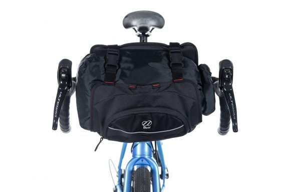 8bar bags handlebar bag 5 black studio bike travel lr 575x383 - Lenkertasche