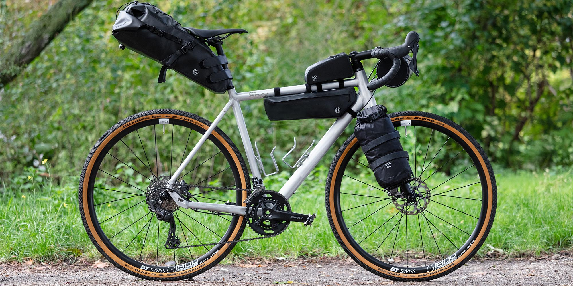 8bar bikepacking bags with 8bar MITTE