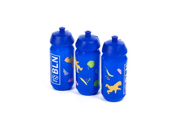 8bar bottle bln edition 1 blue studio hr 575x383 - BLN Edition - Fahrradflasche