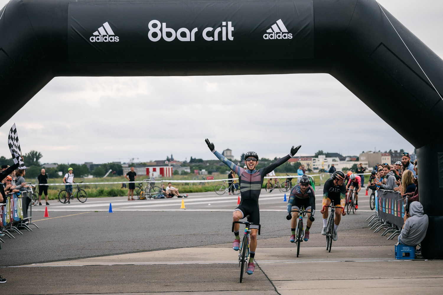 8bar-crit-fixed-gear-bike-race-stefanhaehnel-men-fxd-final-47