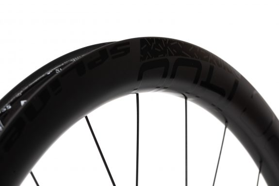 dt swiss GRC1400 gravel bike carbon wheel