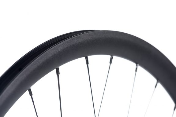 8bar giga disc rim product detail 575x383 - GIGA DISC Wheelset