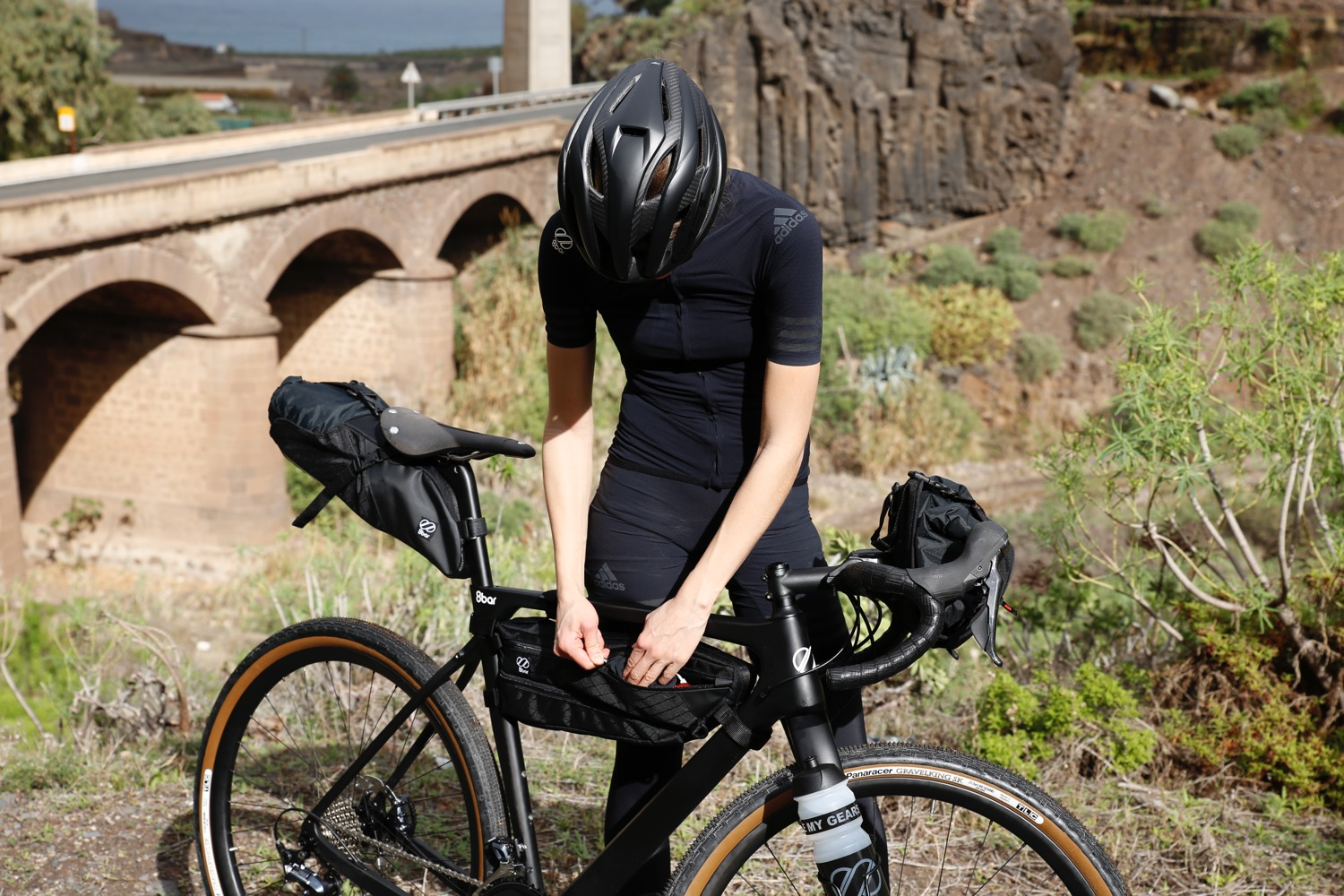 8bar-gran-canaria-001-grunewald-framebag-saddlebag-bike-mood-gravel-allride-met