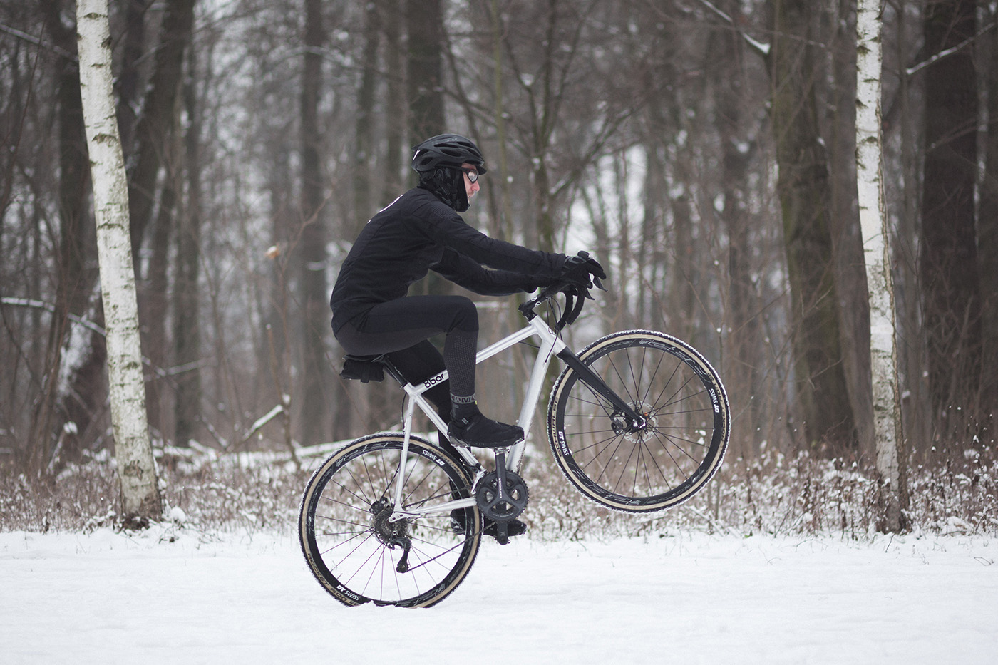 8bar mitte gravel adventure bike 0037 s - Having fun in the snow