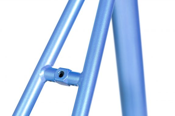 8bar studio detail fhain steel blue bike fixed gear fixie 2 575x383 - FHAIN STEEL v1 Rahmenset