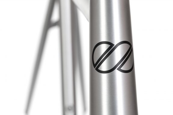 8bar studio detail kronprinz v2 raw bike roadbike 1 575x383 - KRONPRINZ V2 Frameset