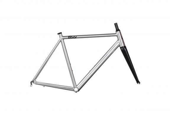 8bar studio frameset kronprinz v2 driveside raw bike roadbike 575x383 - KRONPRINZ v2 RAHMENSET