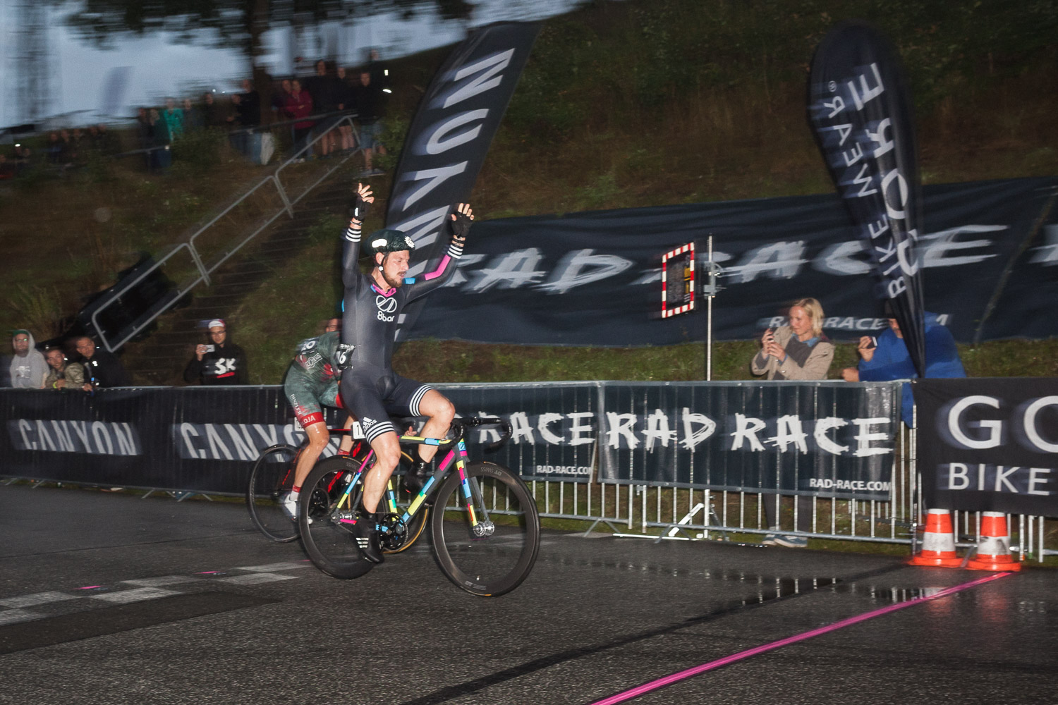 8bar-team-rad-race-last-man-standing-heidbergring-bike-race-43
