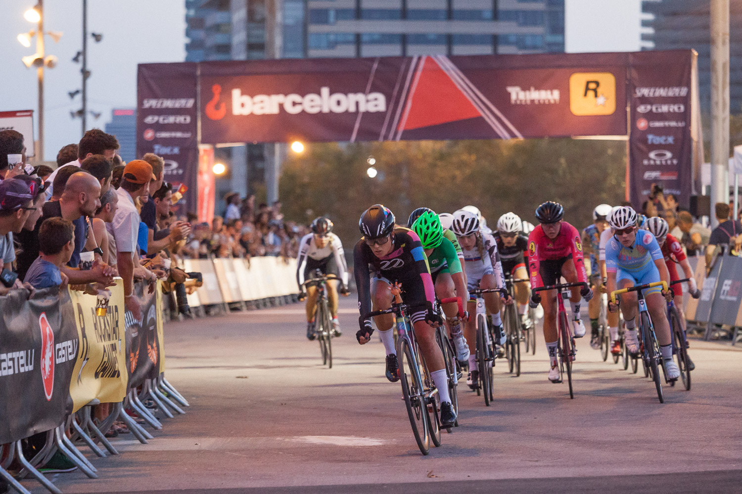 8bar-team-red-hook-crit-barcelona-fixie-fixed-gear-173