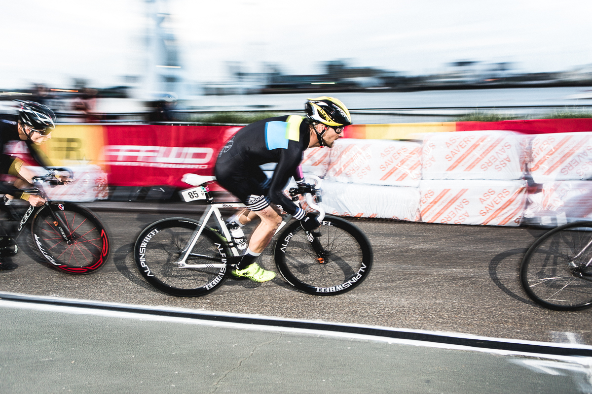 8bar-team-red-hook-crit-london-0307