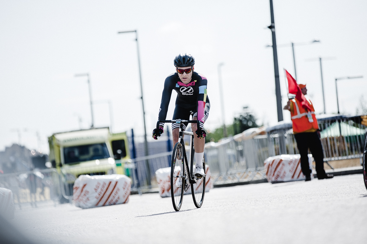 8bar-team-red-hook-crit-london-9700