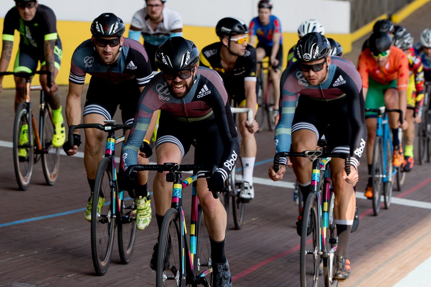 8bar-team-red-hook-crit-milan-2017-frs26516