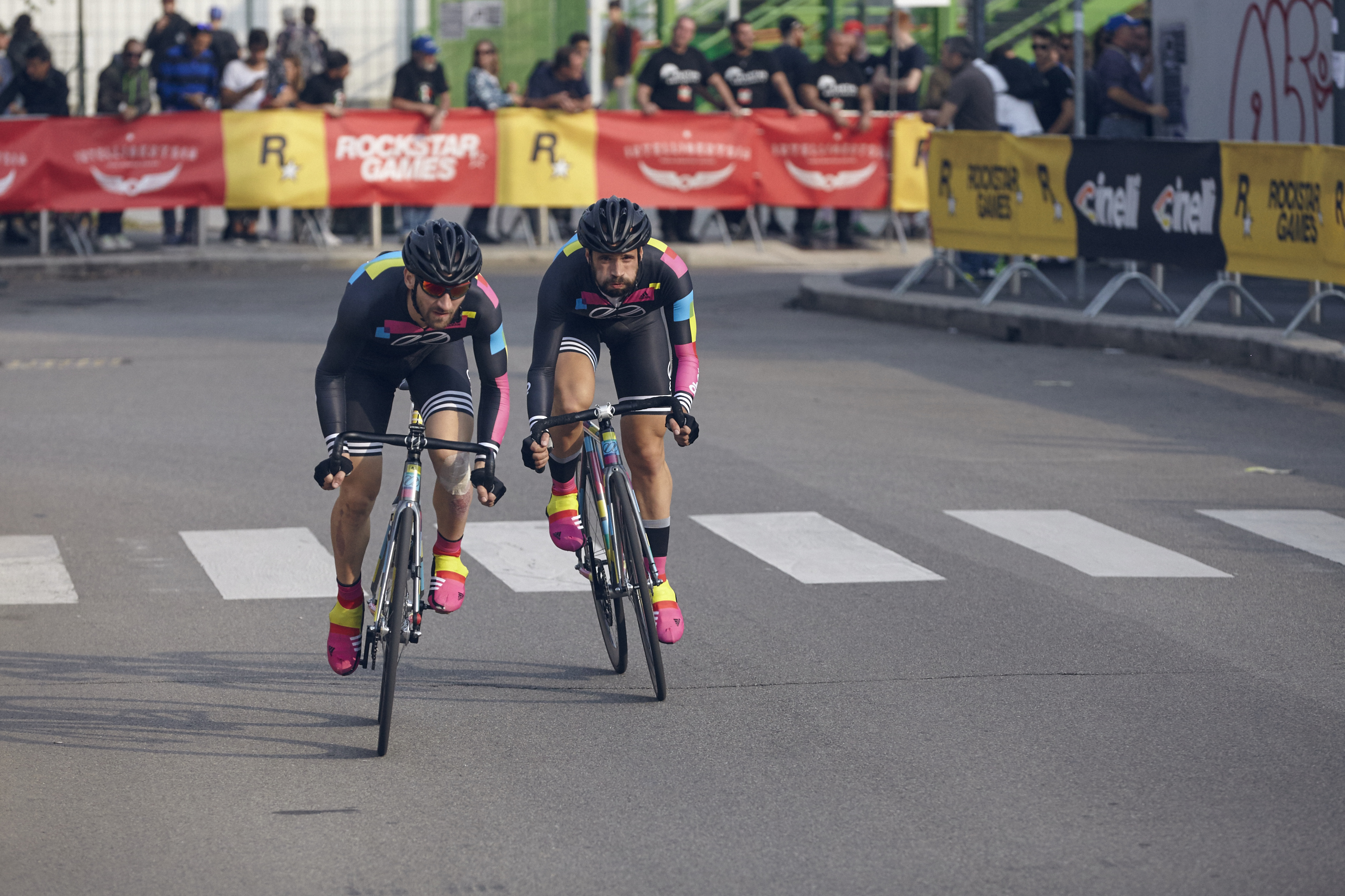 8bar team red hook crit milan 8252 - 8bar at Red Hook Criterium Milan 2015