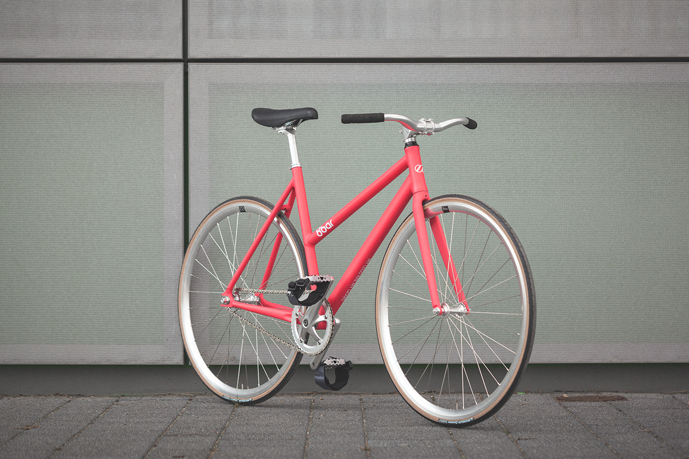 8bar_fhain_v2_women_candy_pink_fixed_gear_fixie_complete_wmn_001