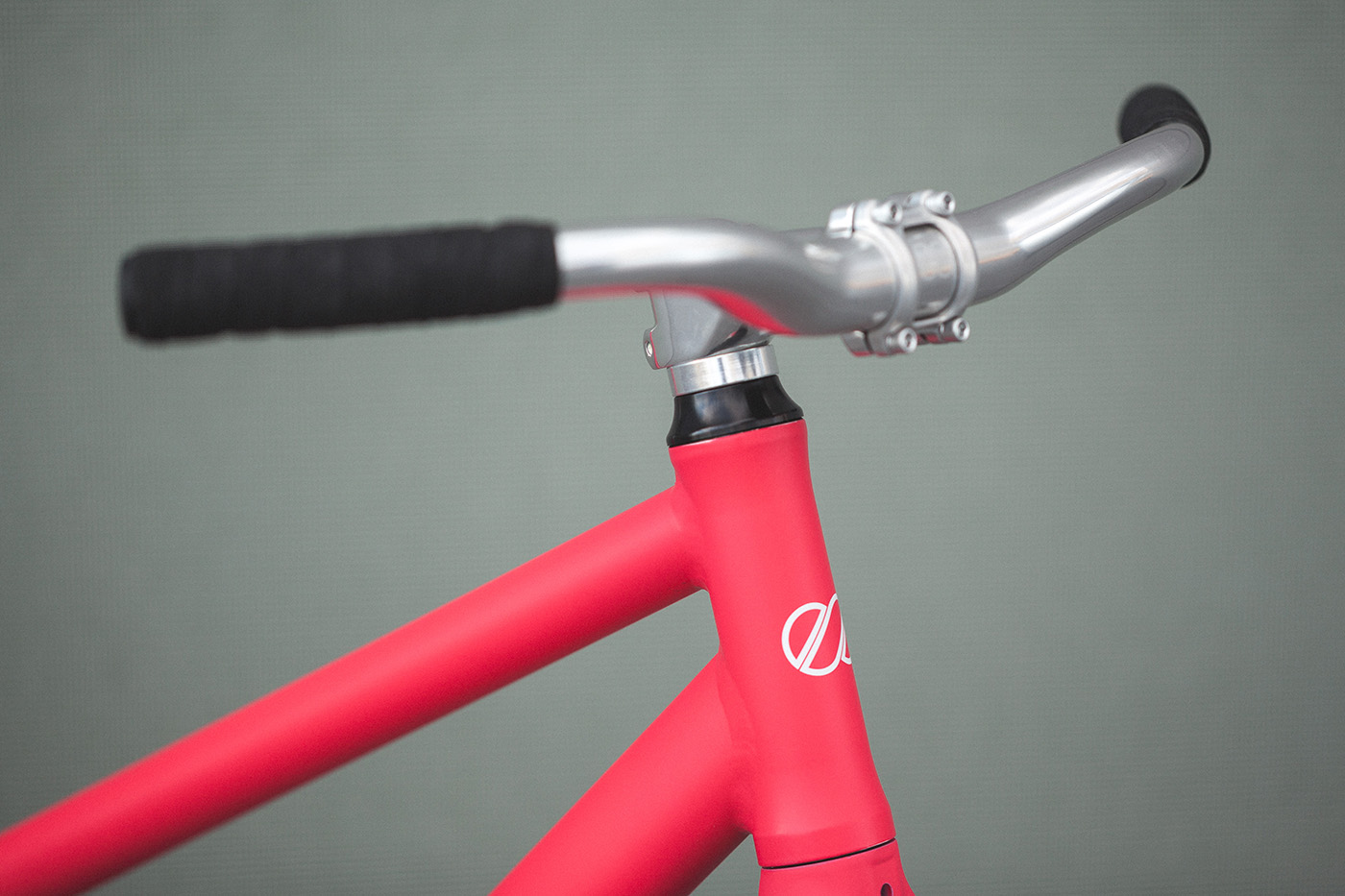 8bar_fhain_v2_women_candy_pink_fixed_gear_fixie_complete_wmn_004