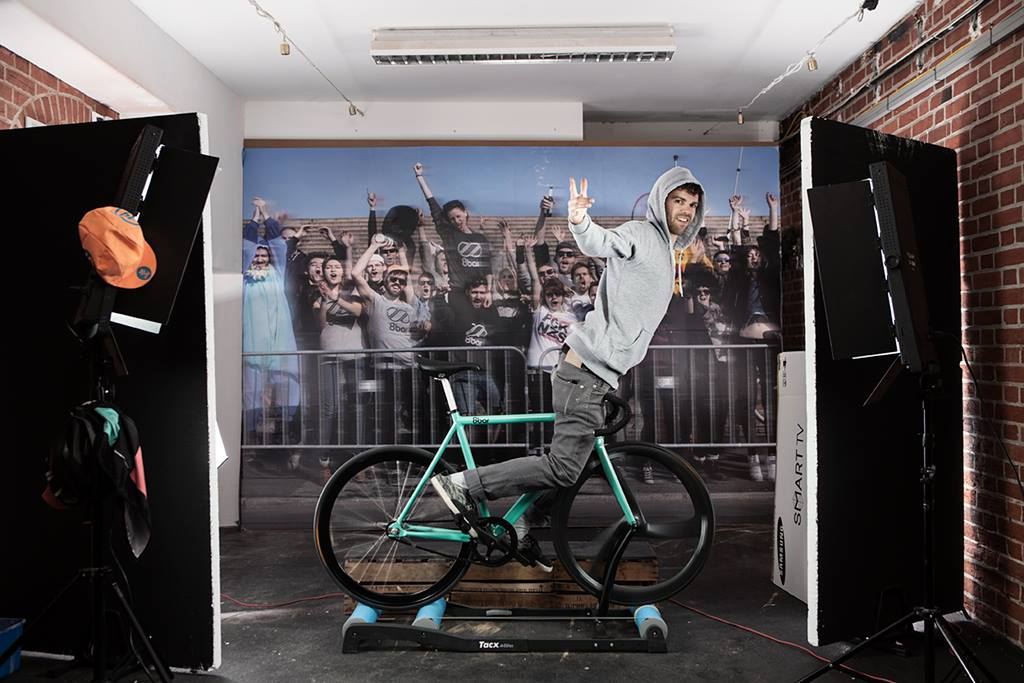 8bar snap your ride photobooth making of 002 - Snap Your Ride - Photobooth