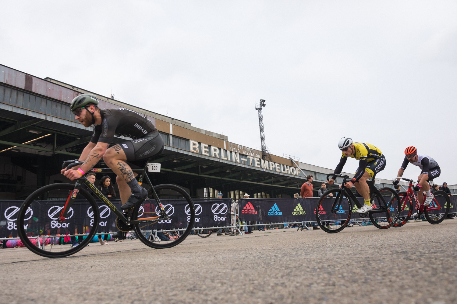 8barcrit 2018 fixed gear race 24 2 - Schnell, schneller, 8bar crit 2018 - der Rennbericht!