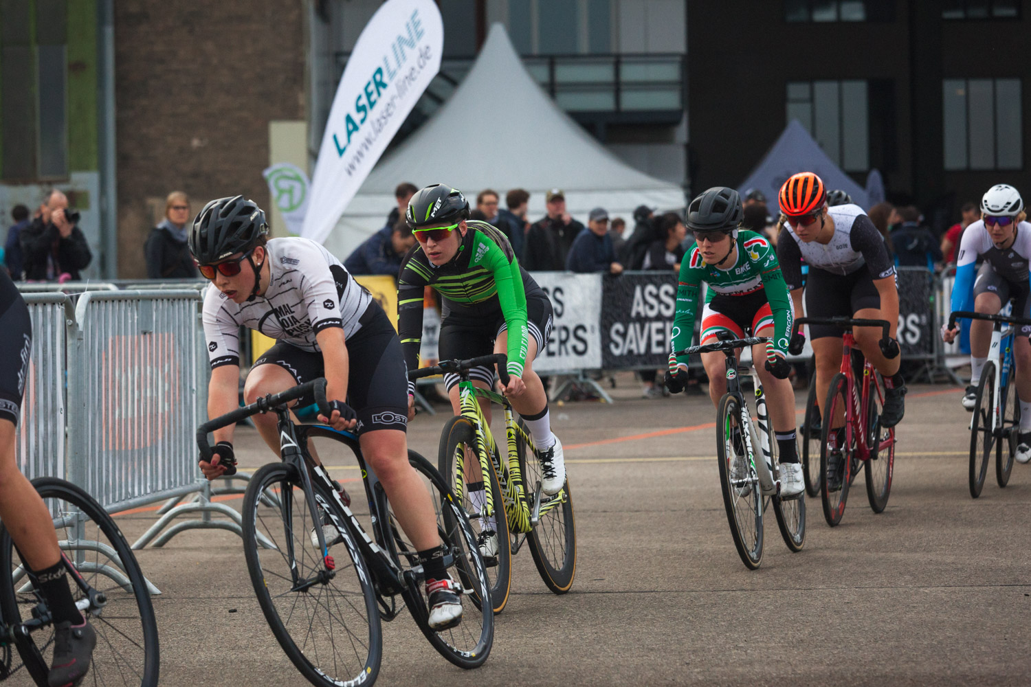 8barcrit 2018 women fixed gear race 14 - Schnell, schneller, 8bar crit 2018 - der Rennbericht!