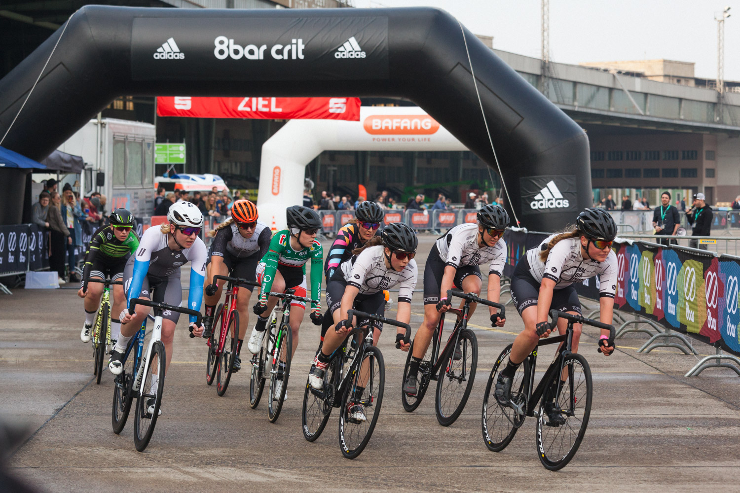 8barcrit 2018 women fixed gear race 19 - Schnell, schneller, 8bar crit 2018 - der Rennbericht!