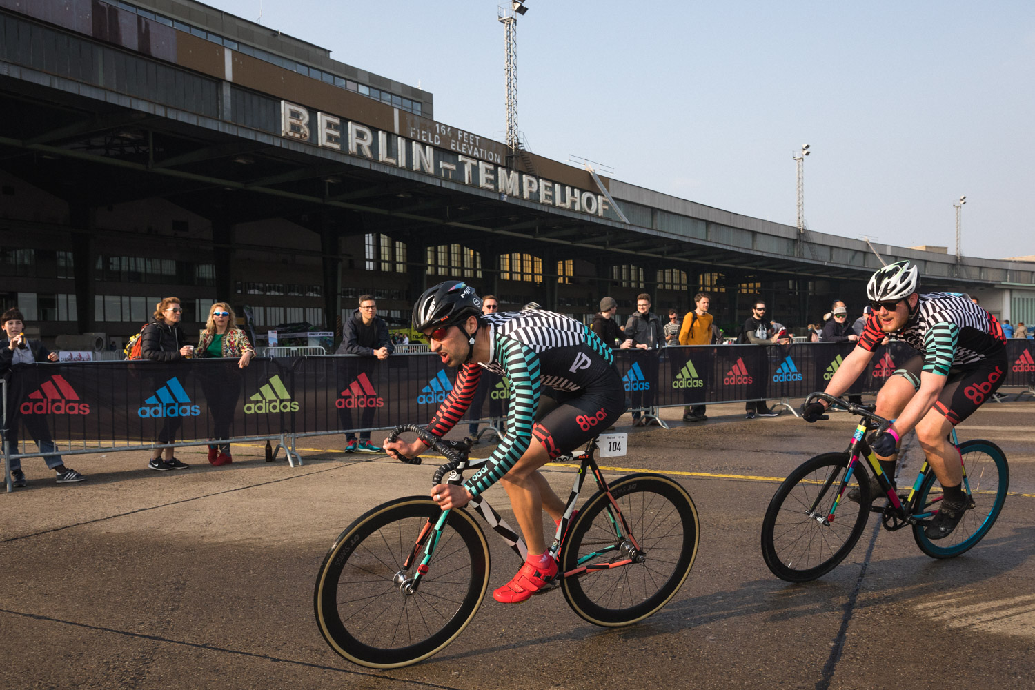 8brcrit 8bar rookies fixed gear crit 4 - Schnell, schneller, 8bar crit 2018 - der Rennbericht!